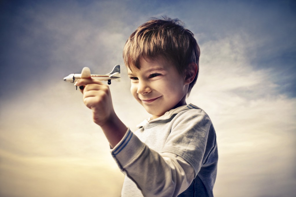 photodune-3835092-little-airliner-m